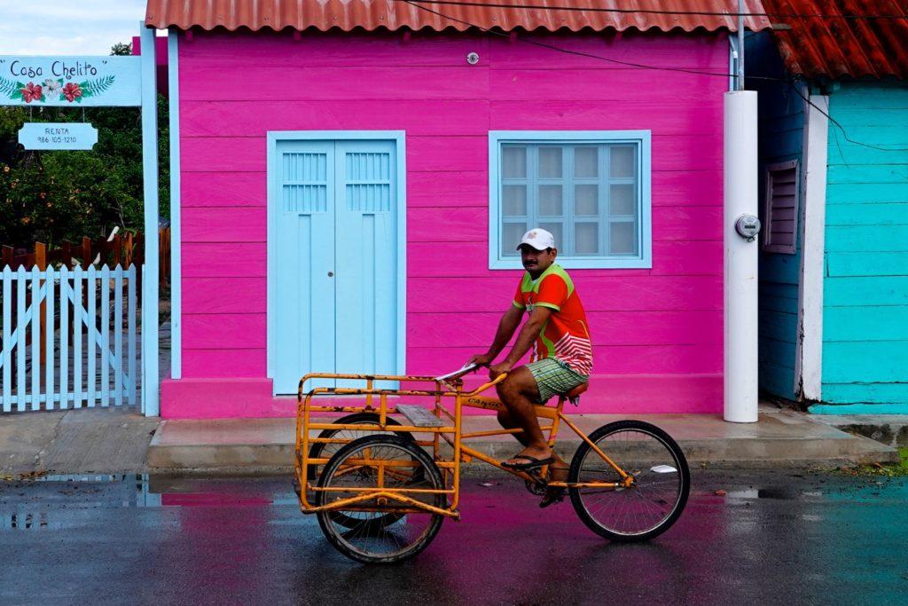 Nach dem Regen: Unterwegs in San Felipe, Yucatán.