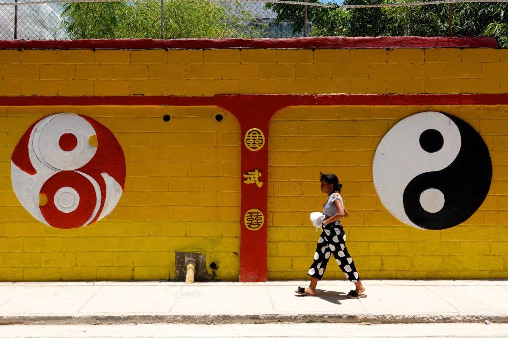 Yin-Yang-Symbole in Havannas Chinatown.